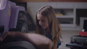 Whirlpool Smart Range TV Spot, 'Care From Anywhere: Car Repair' - Thumbnail 4