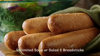 Olive Garden Lunch Duos TV Spot, 'Get in for Lunch' - Thumbnail 9