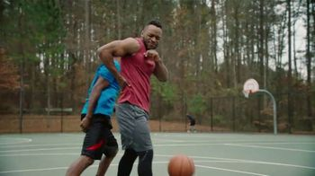 Icy Hot Lidocaine No Mess TV Spot, 'Penetrates Quick' Ft. Shaquille O'Neal - Thumbnail 2