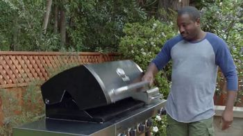 Lowe's 4th of July Savings TV Spot, 'Good Back Yard: Grills' - Thumbnail 9