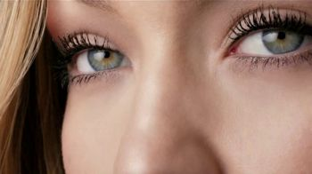 Maybelline New York The Falsies Mascara TV Spot, 'Volumen' [Spanish] - Thumbnail 6