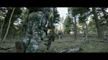 Mossy Oak Mountain Country TV Spot, 'Out Do Nature' - Thumbnail 4
