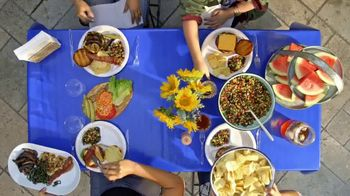 Chinet TV Spot, 'Food Network: Easy Outdoor Entertaining' - Thumbnail 2