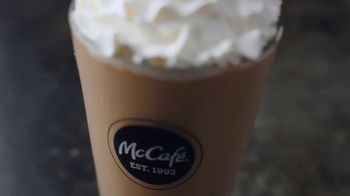 McCafe Cold Brew Frappé y Frozen Coffee TV Spot, 'Más frío' [Spanish] - Thumbnail 5