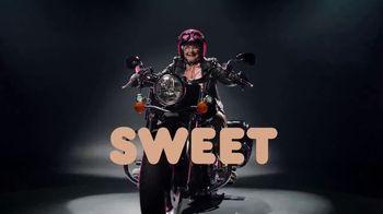 Dunkin' Donuts Brown Sugar Cold Brew TV Spot, 'Bold Meets Sweet' - Thumbnail 6