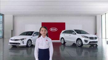 Kia America's Best Value 4th of July Event TV Spot, 'Hamburgers: Whole Lot of Hamburgers' [T2] - Thumbnail 3