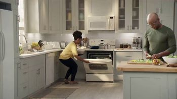 Lowe's 4th of July Savings TV Spot, 'The Moment: Appliances' - Thumbnail 1