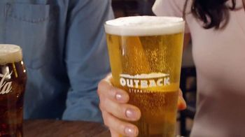 Outback Steakhouse Walkabout Wednesday TV Spot, 'For Steak and Beer' - Thumbnail 6
