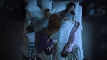 Havertys Independence Day Mattress Sale TV Spot, 'Crowded Bed' - Thumbnail 3