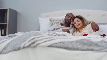 Mattress Firm Black Friday Doorbusters TV Spot, 'Early Access: Beautyrest Queens & Body Pillows'
