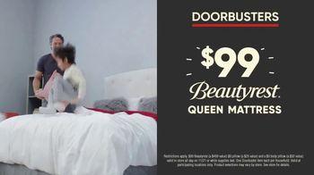 Mattress Firm Black Friday Doorbusters TV Spot, 'Early Access: Beautyrest Queens & Body Pillows' - Thumbnail 4