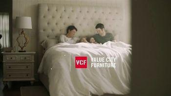 Value City Furniture Black Friday Sale TV Spot, 'Memory Foam Mattress' - Thumbnail 1