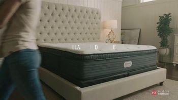 Value City Furniture Black Friday Sale TV Spot, 'Memory Foam Mattress' - Thumbnail 3