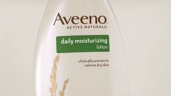 Aveeno Daily Lotion TV Spot, 'Time is Valuable' Featuring Jennifer Aniston - Thumbnail 3
