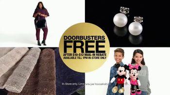 Macy's Black Friday Free Doorbusters TV Spot, 'Hurry In' - Thumbnail 4