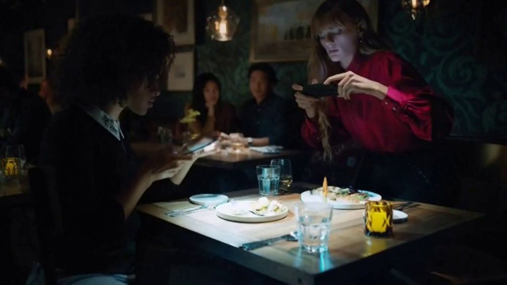 Google Pixel 3 TV Commercial, 'Night Sight: Savings' Song by Queen - Video