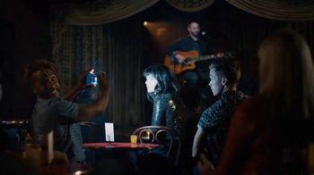 Google Pixel 3 TV Spot, 'Night Sight: Savings' Song by Queen - Thumbnail 5