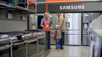 The Home Depot Black Friday Savings TV Spot, 'Major Appliances and Laundry Pair' - Thumbnail 4