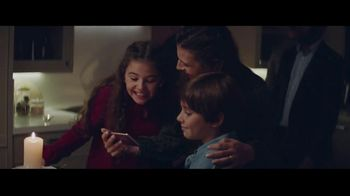 Samsung Galaxy TV Spot, 'Be Together' Song by Reneé Dominique - Thumbnail 4