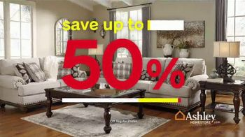 Ashley HomeStore Black Friday Sale TV Spot, 'Hurry In' - Thumbnail 3