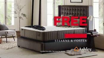 Ashley HomeStore Black Friday Mattress Sale TV Spot, 'Free Box Spring' - Thumbnail 4