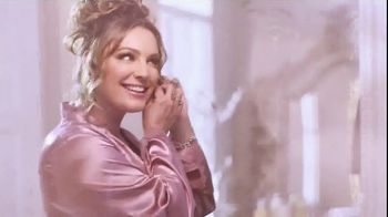 Baylis & Harding TV Spot, '2018 Christmas' Featuring Kelly Brook, Song by Jessie J - Thumbnail 1