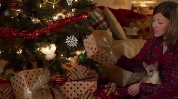 Shriners Hospitals for Children TV Spot, 'Home for Christmas' Featuring Trace Adkins - Thumbnail 7