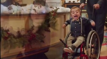 Shriners Hospitals for Children TV Spot, 'Home for Christmas' - Thumbnail 3