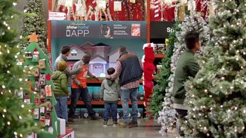 The Home Depot Black Friday Savings TV Spot, 'Toques mágicos: inflables' [Spanish] - Thumbnail 2