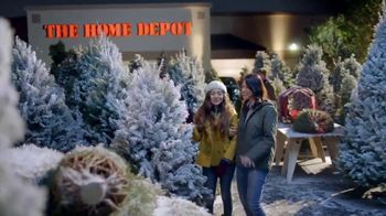 The Home Depot Black Friday Savings TV Spot, 'Toques mágicos: inflables' [Spanish] - Thumbnail 5