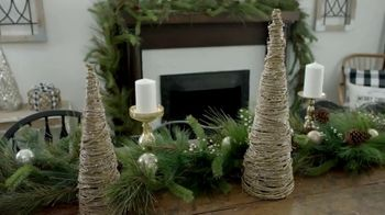 Hobby Lobby TV Spot, 'Christmas: Farmhouse Tablescape' - Thumbnail 2