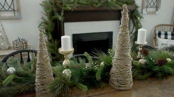 Hobby Lobby TV Spot, '2018 Christmas: Farmhouse Tablescape' - Thumbnail 2