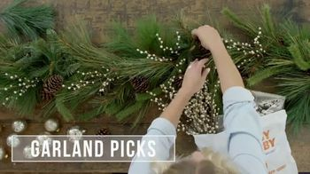 Hobby Lobby TV Spot, 'Christmas: Farmhouse Tablescape' - Thumbnail 4