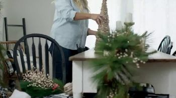 Hobby Lobby TV Spot, 'Christmas: Farmhouse Tablescape' - Thumbnail 6