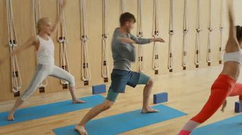 Garmin vívoactive 3 Music TV Spot, 'Yoga' - Thumbnail 4