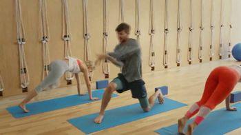 Garmin vívoactive 3 Music TV Spot, 'Yoga' - Thumbnail 5