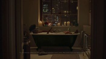 Oculus Go TV Spot, 'Leslie's Night In' Featuring Leslie Jones - Thumbnail 2