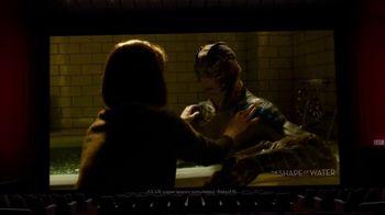 Oculus Go TV Spot, 'Leslie's Night In' Featuring Leslie Jones - Thumbnail 4