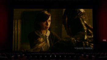 Oculus Go TV Spot, 'Leslie's Night In' Featuring Leslie Jones - Thumbnail 6