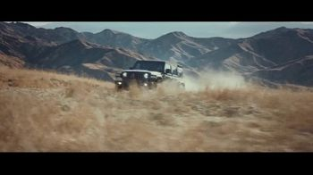 Jeep Black Friday Sales Event TV Spot, 'No Limit' Song by Black Rebel Motorcycle Club [T2]