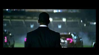 GMC Denali TV Spot, 'ESPN Monday Night Kickoff' Featuring Randy Moss [T1] - Thumbnail 4