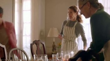Publix Super Markets TV Spot, 'Catching Up: A Publix Thanksgiving Story' - Thumbnail 4