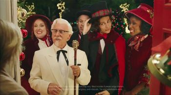 KFC $20 Fill Up TV Spot, '2018 Holidays: Carolers' - Thumbnail 3