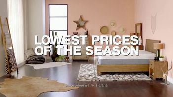 Macy's Veterans Day Sale TV Spot, 'Sectional and Storage Bed' - Thumbnail 3