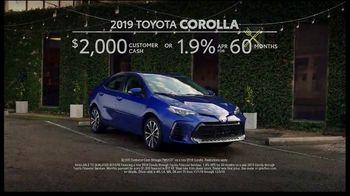 2019 Toyota Corolla TV Spot, 'Robot Butler' [T2] - Thumbnail 9