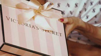 Victoria's Secret TV Spot, '2018 Holidays: PJ Purchase' Song by Alex Adair - Thumbnail 1