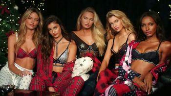 Victoria's Secret TV Spot, '2018 Holidays: PJ Purchase' Song by Alex Adair - Thumbnail 10