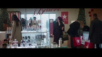 Macy's TV Spot, 'Believe in the Wonder of Giving: Signature Scent' - Thumbnail 1