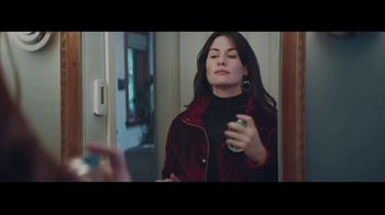 Macy's TV Spot, 'Believe in the Wonder of Giving: Signature Scent' - Thumbnail 6