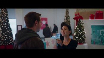 Macy's TV Spot, 'Believe in the Wonder of Giving: Signature Scent' - Thumbnail 8